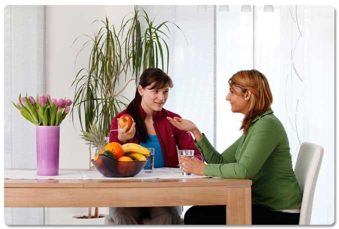 Ernährungsberatung Kerpen Berater und Kunde im Gespräch